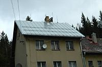Střecha nádraží Harrachov po rekonstrukcí opláštěn