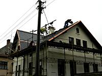Práce na rekonstrukci sřechy